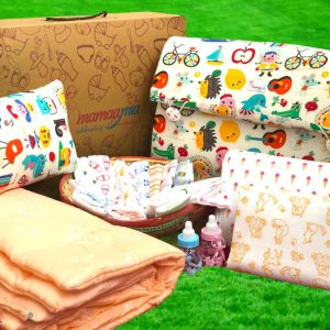 Newborn Essentials Love Bundle - Pack of 17 items for 0-12 months baby (Mix design and colour)